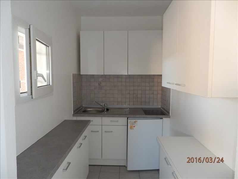 Location appartement Toulon 670€ CC - Photo 3