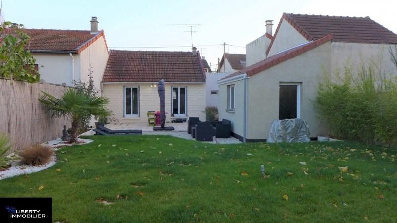 Maison de plain-pied avec jardin