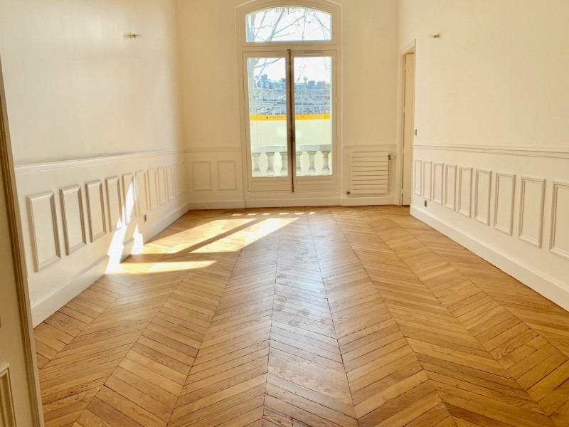 Location appartement Paris 16ème 6 995€ CC - Photo 2