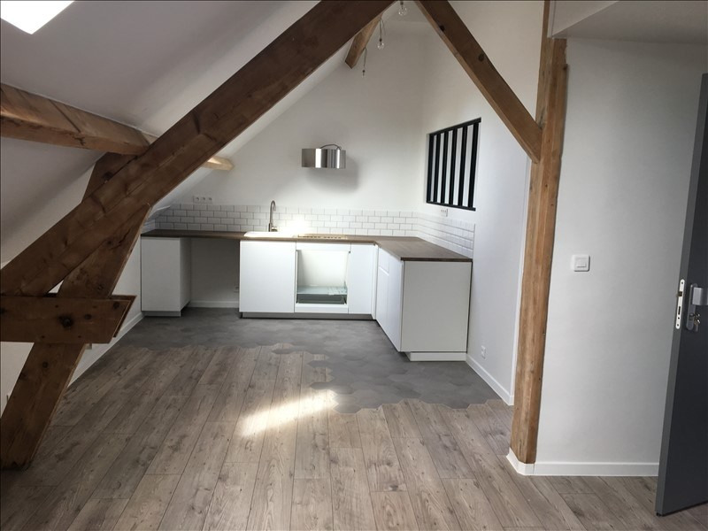 Location appartement Orgeval 1 120€ CC - Photo 1