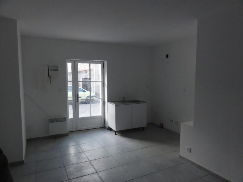 Sale apartment Meyrargues 129 000€ - Picture 2