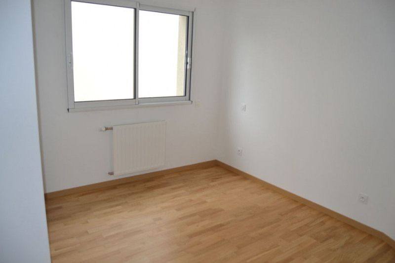 Location maison / villa L hermitage 813€ CC - Photo 7