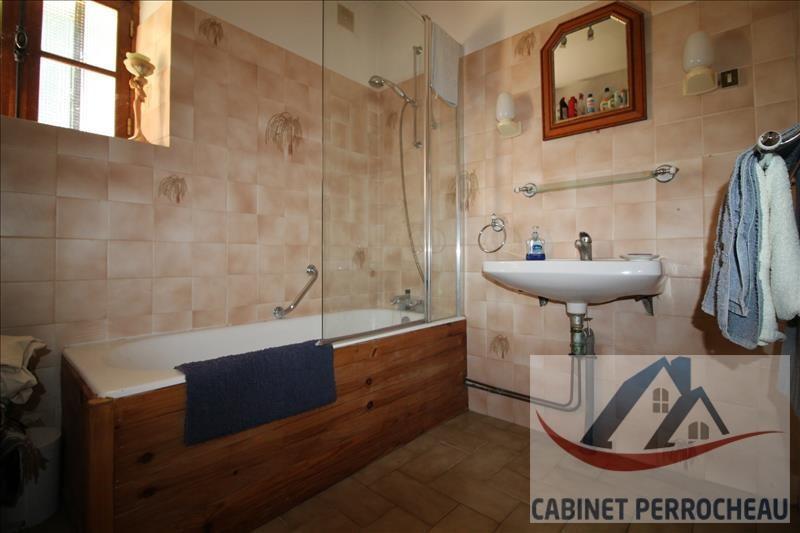 Sale house / villa La chartre sur le loir 213000€ - Picture 8