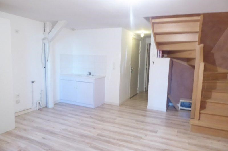 Rental apartment Terrasson la villedieu 360€ CC - Picture 2
