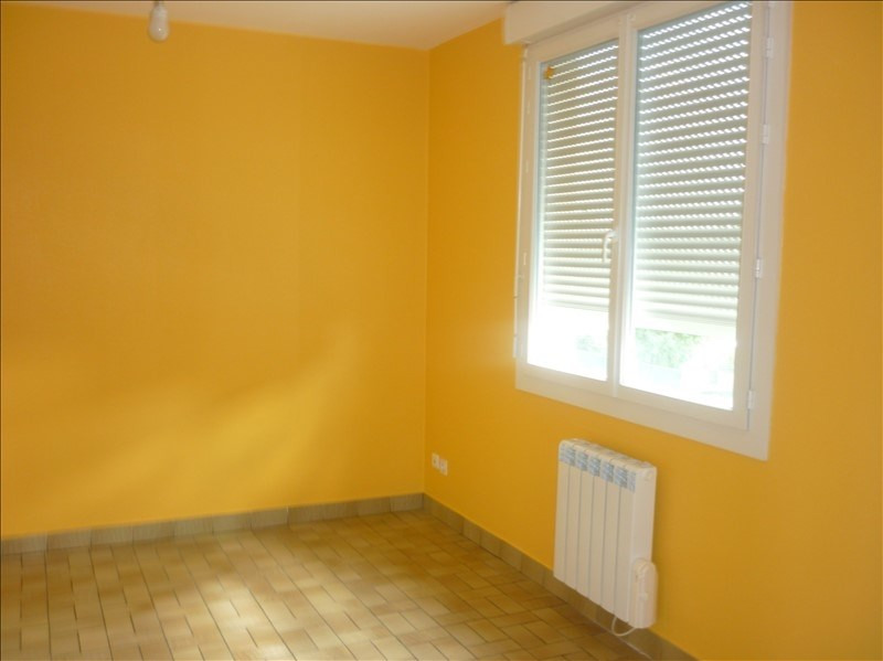 Rental apartment Saulnieres 320€ CC - Picture 2
