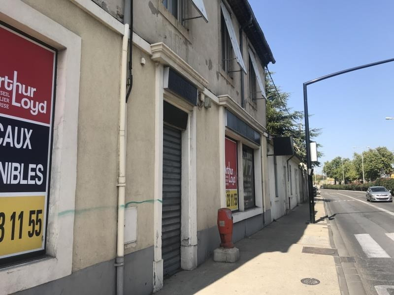 Location local commercial Nimes 1700€ HT/HC - Photo 1