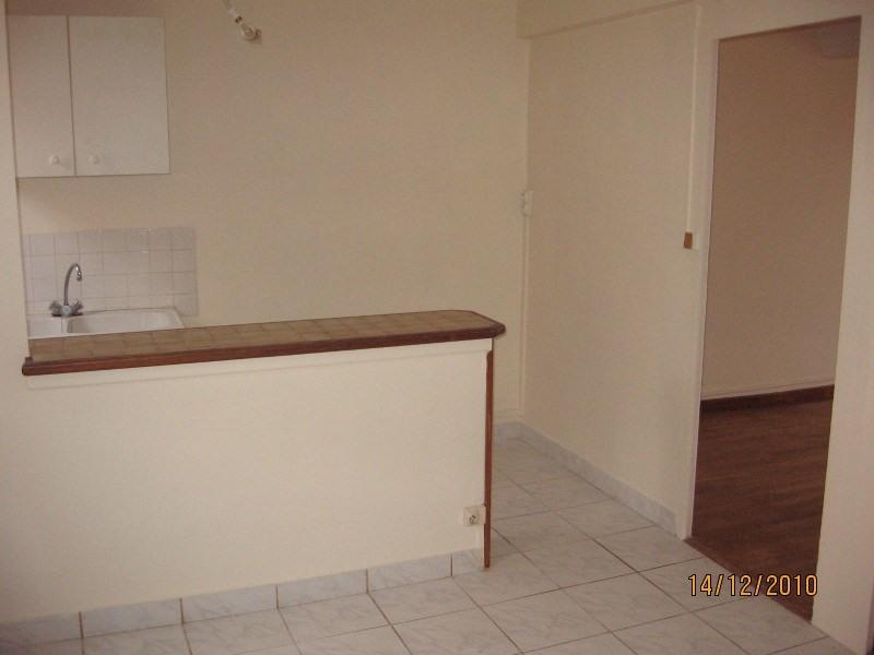 Locação apartamento Pierre benite 507€ CC - Fotografia 3