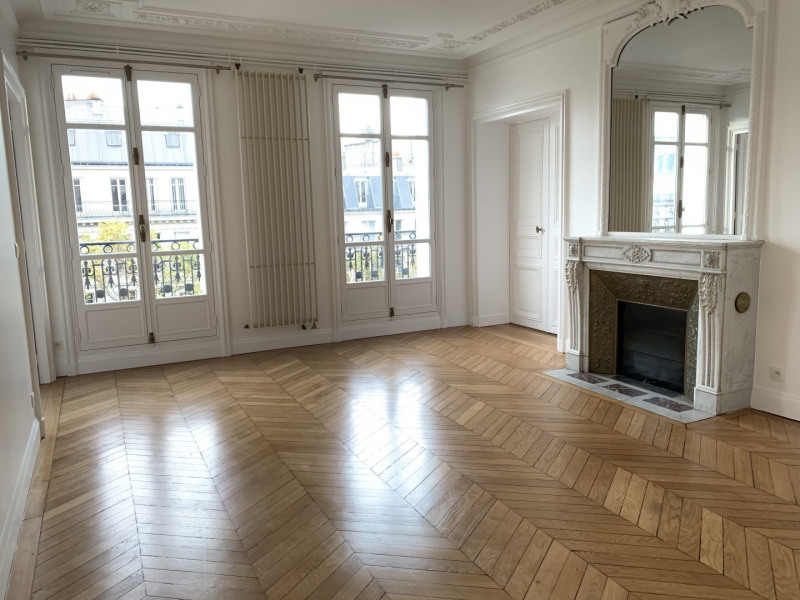 Location appartement Paris 17ème 4 186€ CC - Photo 1