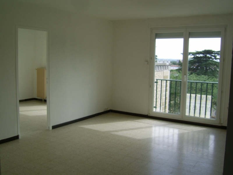 Sale apartment Nimes 76 000€ - Picture 1