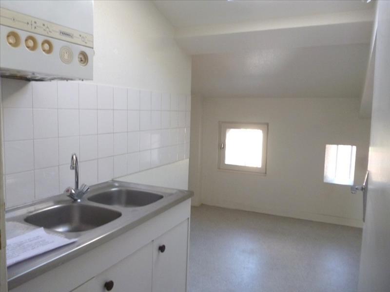 Rental apartment Le coteau 395€ CC - Picture 2