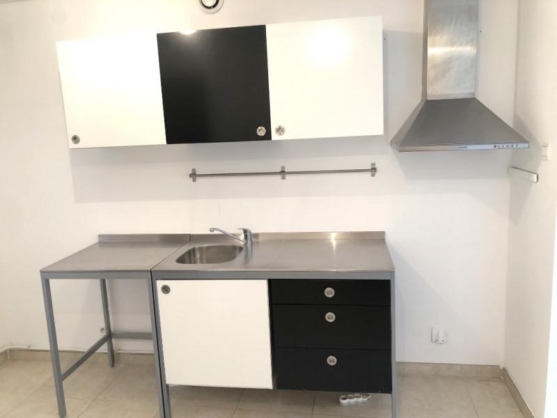 Rental apartment Luynes 861€ CC - Picture 2