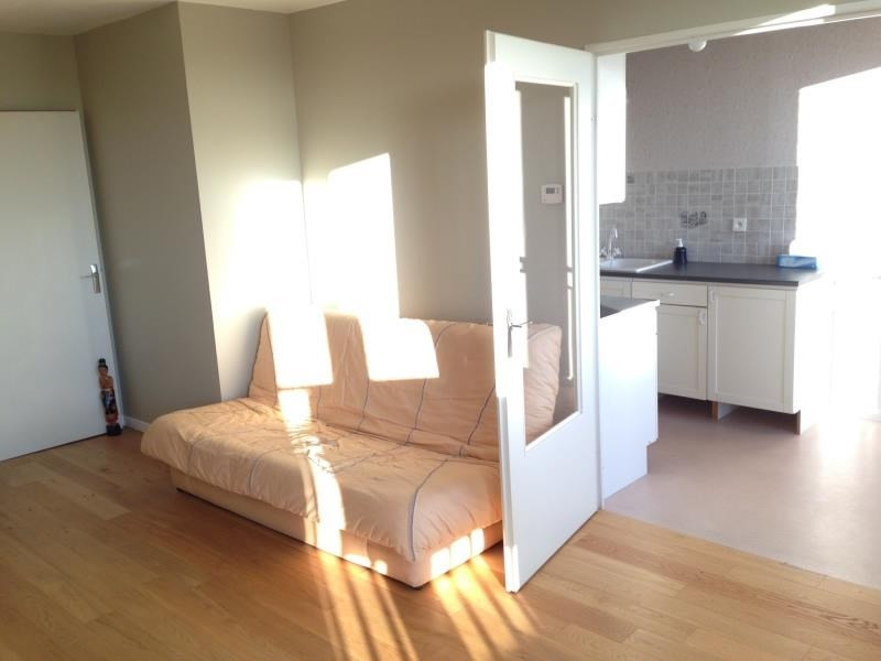 Sale apartment Guyancourt 225 750€ - Picture 3