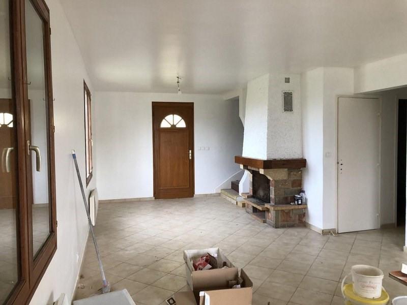 Location maison / villa Juvigny 850€ CC - Photo 2