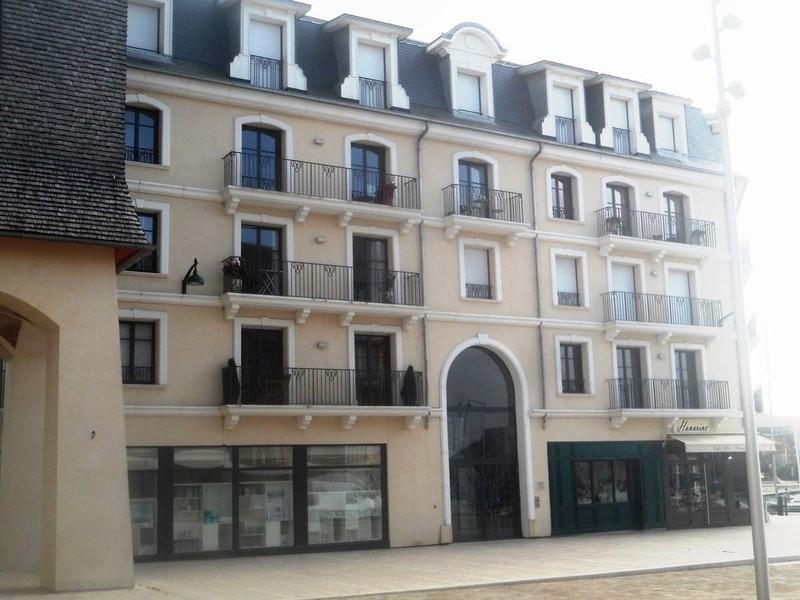 Revenda residencial de prestígio apartamento Deauville 826800€ - Fotografia 8