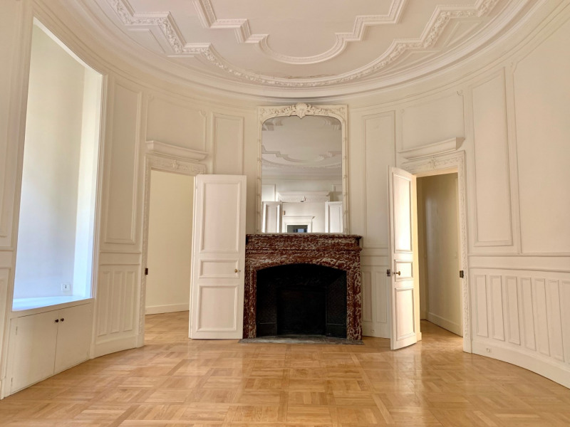 Location appartement Paris 10ème 4 500€ CC - Photo 5