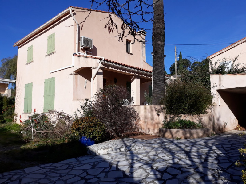 Location vacances maison / villa Les issambres 700€ - Photo 1