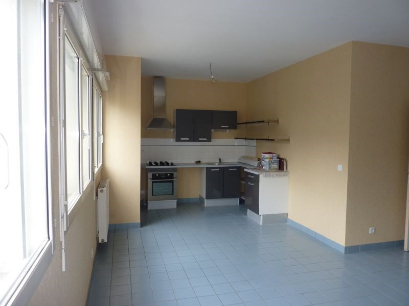 Rental apartment Pontivy 484€ CC - Picture 1