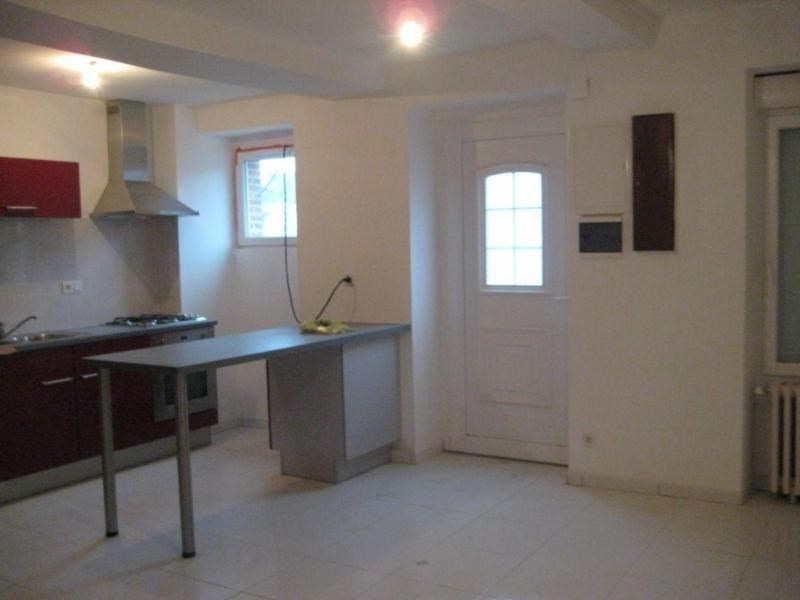 Location maison / villa Laval 550€ CC - Photo 2