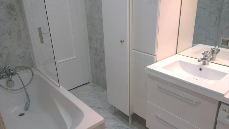 Location appartement Paris 8ème 1450€ CC - Photo 5