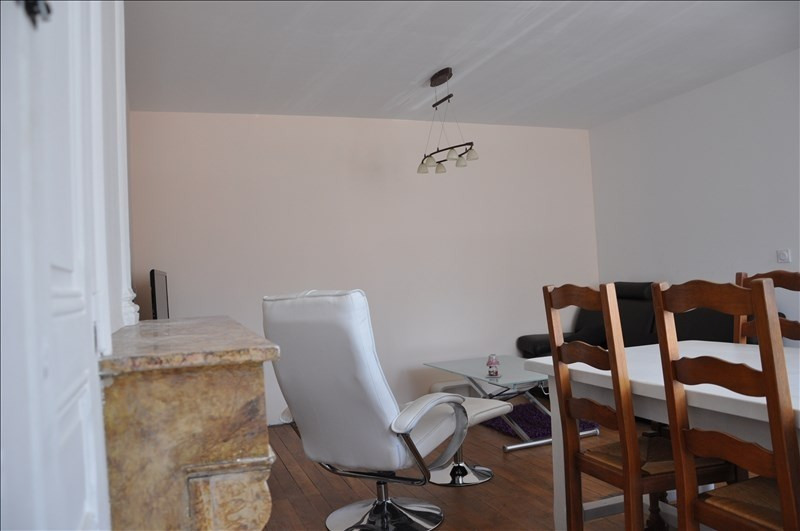 Sale apartment Oyonnax centre 115 000€ - Picture 1