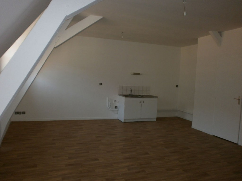 Rental apartment St omer 514€ CC - Picture 1