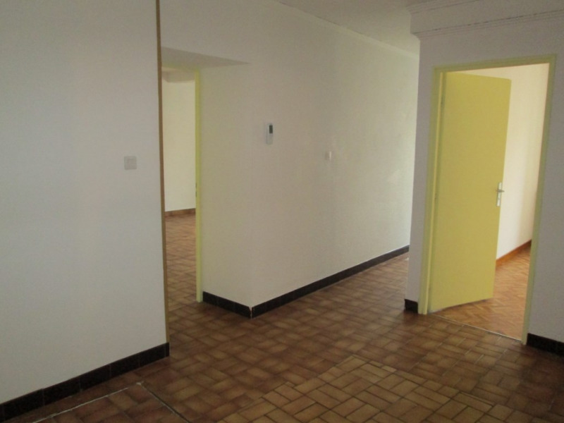 Location appartement Bourgoin jallieu 490€ CC - Photo 2