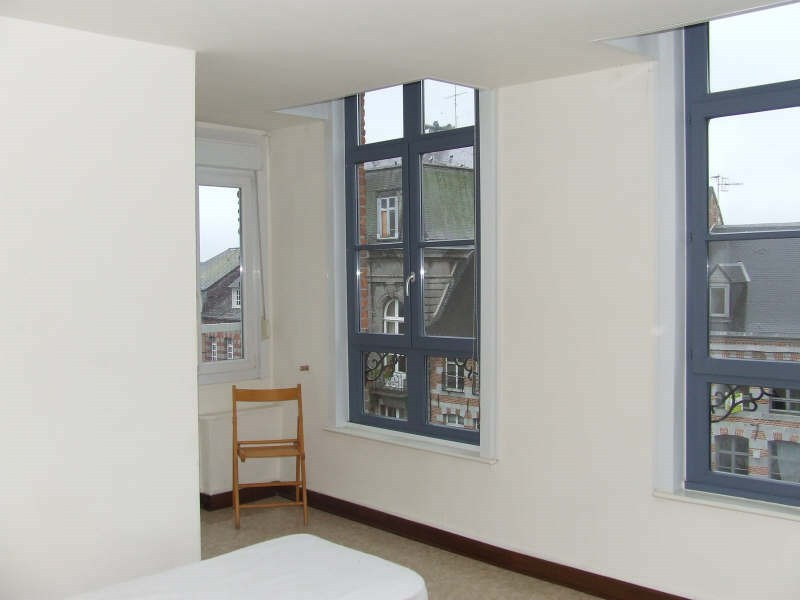 Rental apartment Avesnes sur helpe 400€ CC - Picture 1