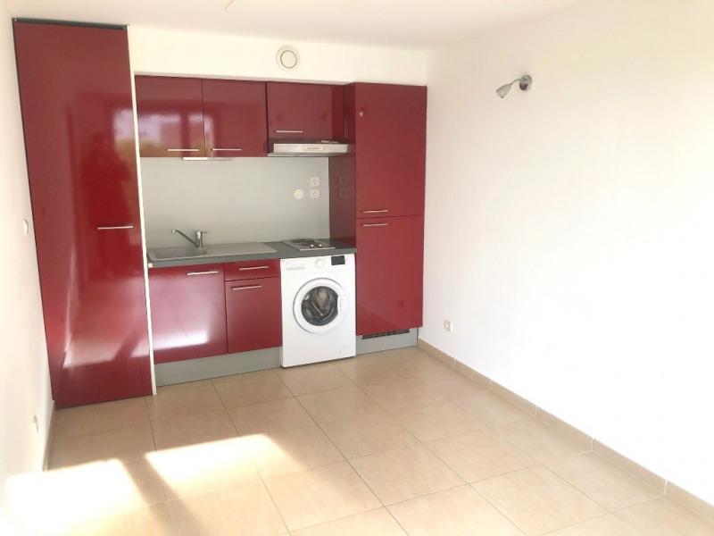 Rental apartment Aix en provence 700€ CC - Picture 1