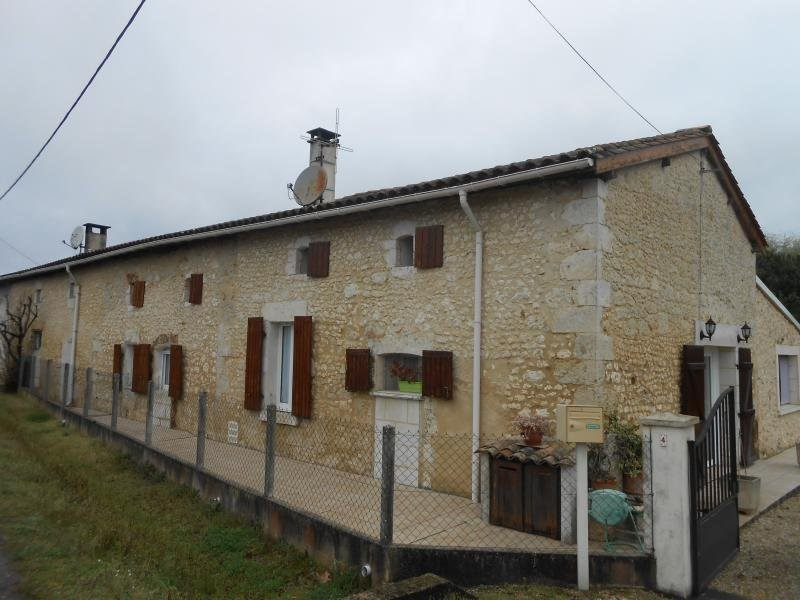 Sale house / villa St martin de coux 198000€ - Picture 1