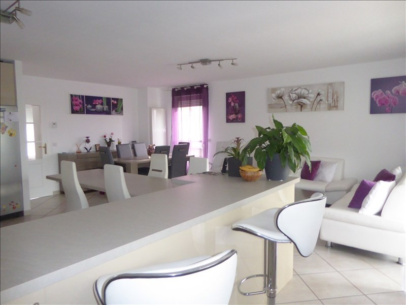 Sale apartment Cessy 630 000€ - Picture 4