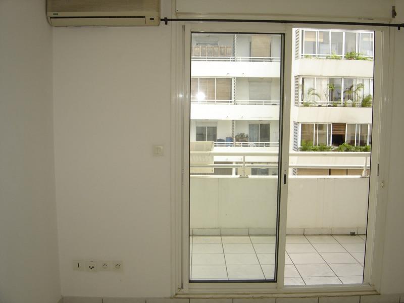 Alquiler  apartamento Sainte clotilde 364€ CC - Fotografía 3