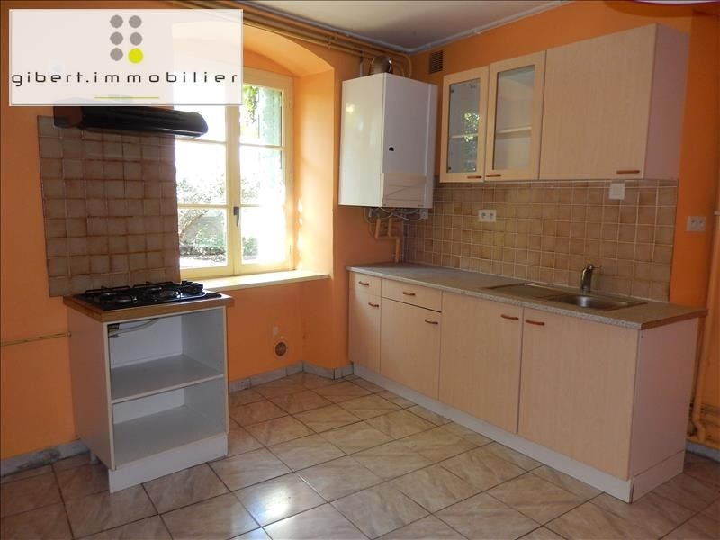 Location appartement Coubon 341,79€ CC - Photo 1