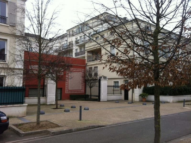 Rental apartment Poissy 862€ CC - Picture 2