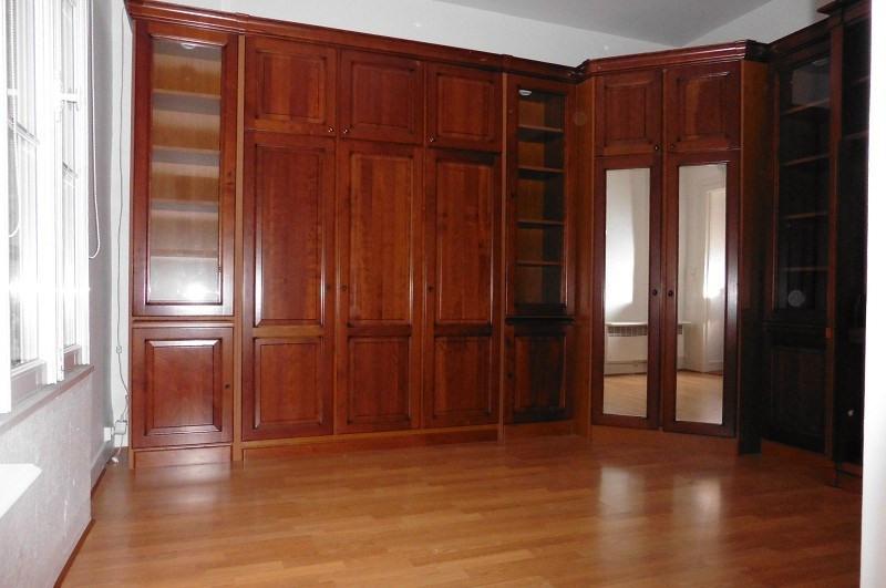 Rental apartment Paris 10ème 758€ CC - Picture 3