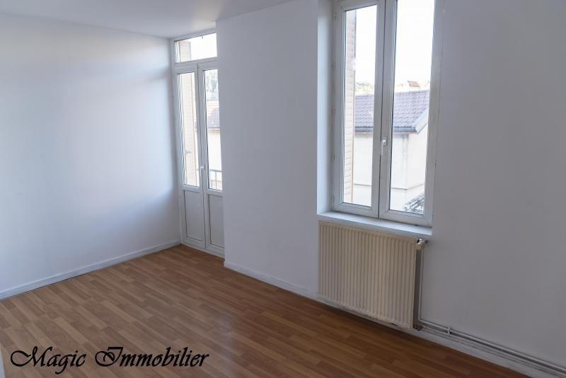 Location appartement Oyonnax 431€ CC - Photo 2