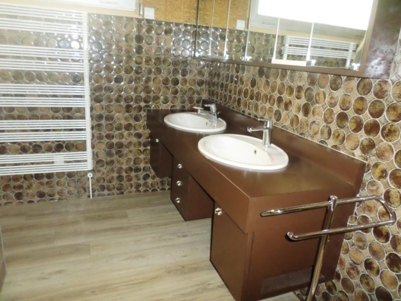 Sale house / villa Laval 449904€ - Picture 7