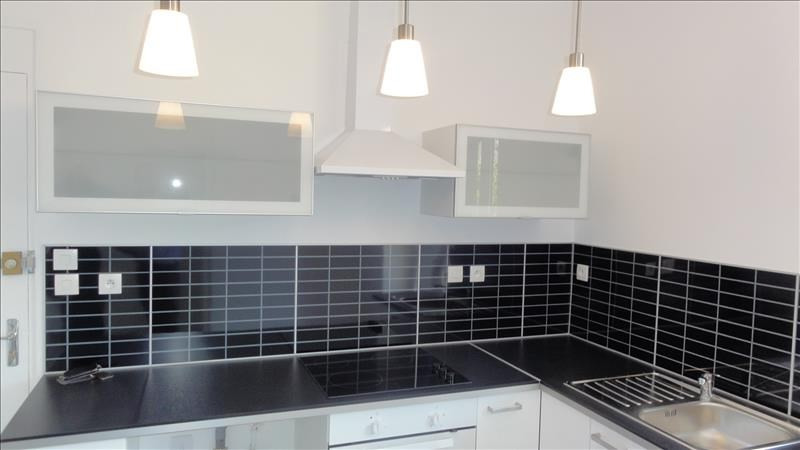 Location appartement Roanne 375€ CC - Photo 3
