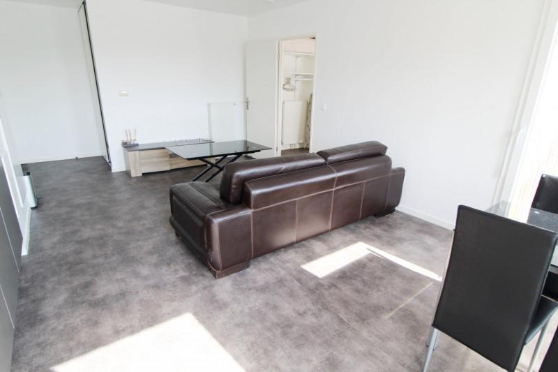 Rental apartment La verriere 750€ CC - Picture 2