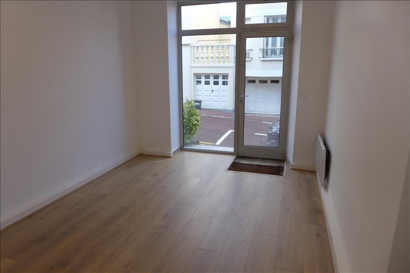 Location local commercial St cloud 515€ HT/HC - Photo 1