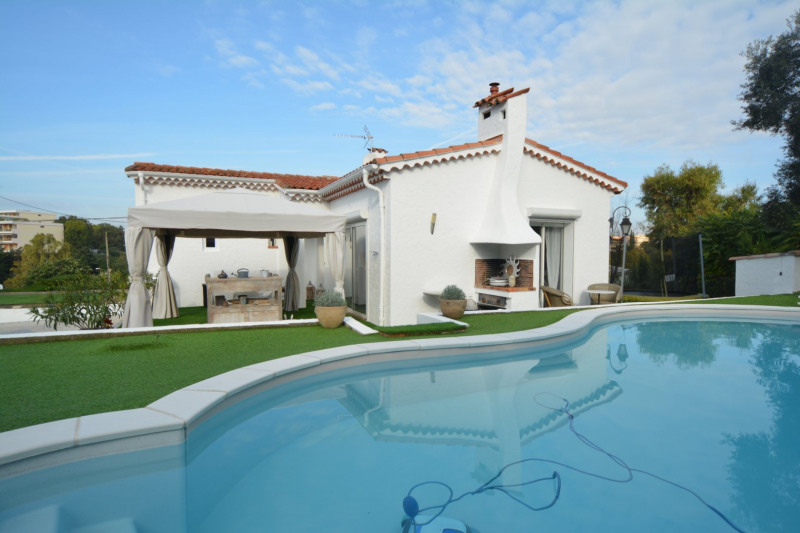 Deluxe sale house / villa Antibes 785000€ - Picture 2