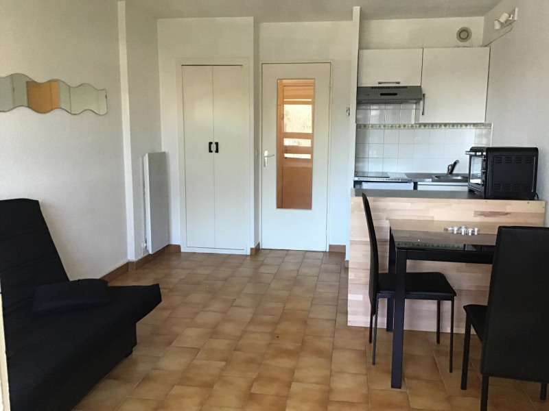 Rental apartment Fréjus 520€ CC - Picture 2