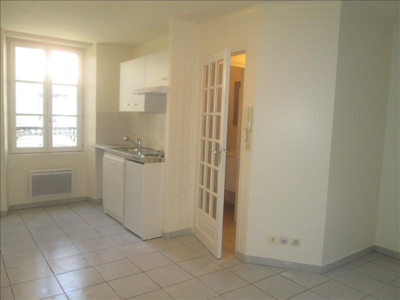 Rental apartment Viroflay 655€ CC - Picture 1