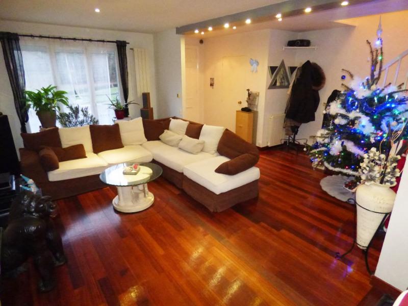 Sale house / villa Lesigny 371000€ - Picture 2