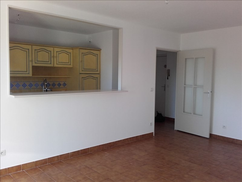 Location appartement Aix en provence 840€ CC - Photo 3