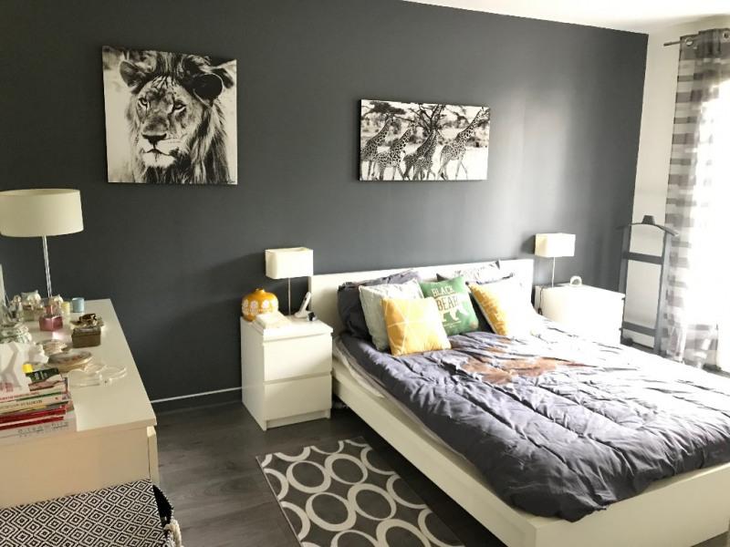 Rental house / villa Feucherolles 2600€ +CH - Picture 5