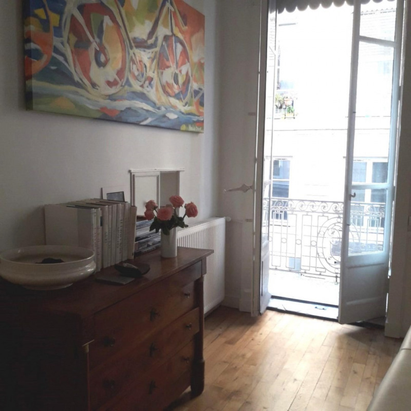 Deluxe sale apartment Lyon 1er 640000€ - Picture 2