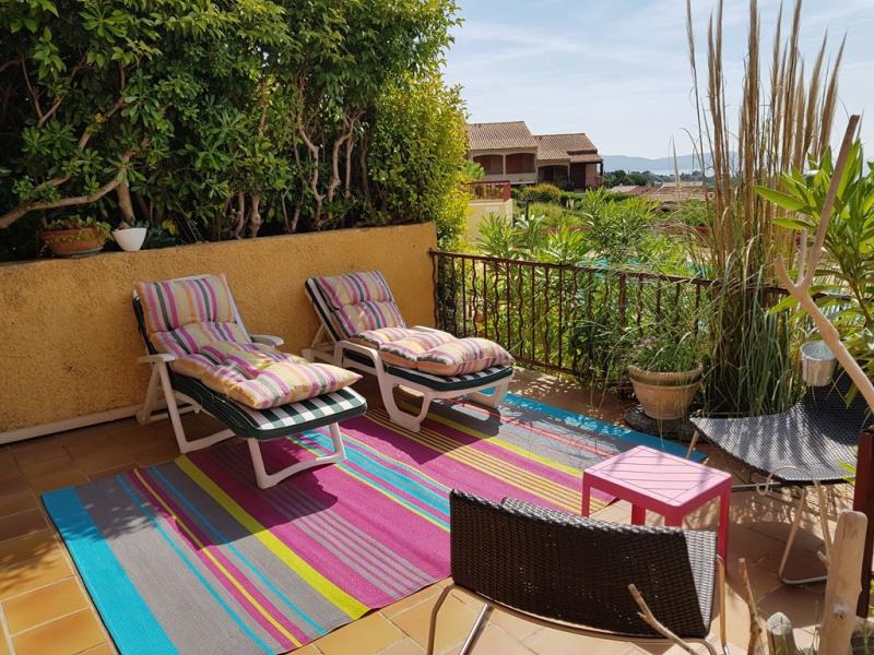 Vacation rental apartment Cavalaire sur mer 400€ - Picture 3