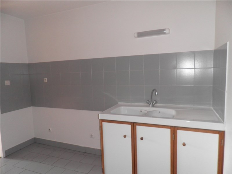 Rental apartment Le puy en velay 476,79€ CC - Picture 8