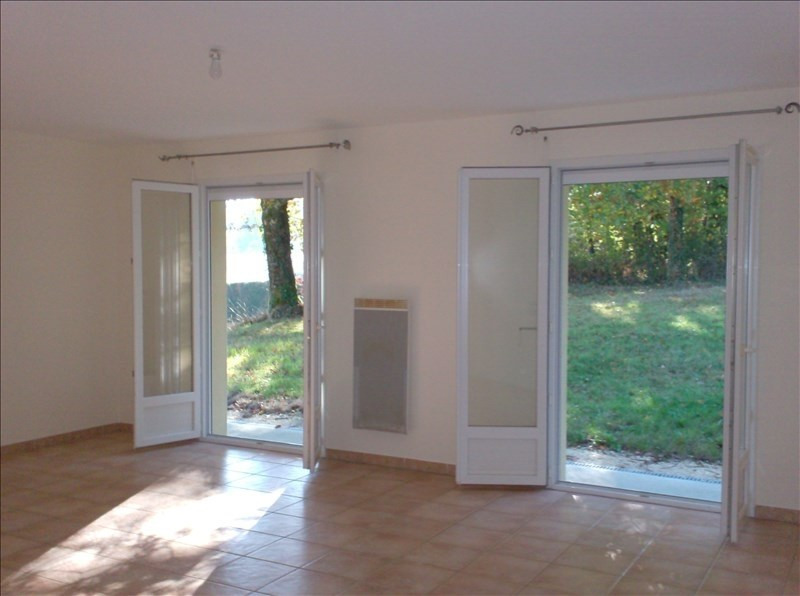 Location maison / villa Marsaneix 740€ CC - Photo 3