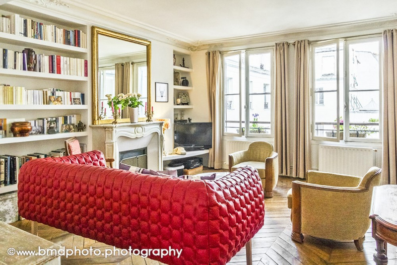 Deluxe sale apartment Paris 9ème 890 000€ - Picture 2